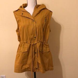 Zenana hooded cargo vest. Like new!!!